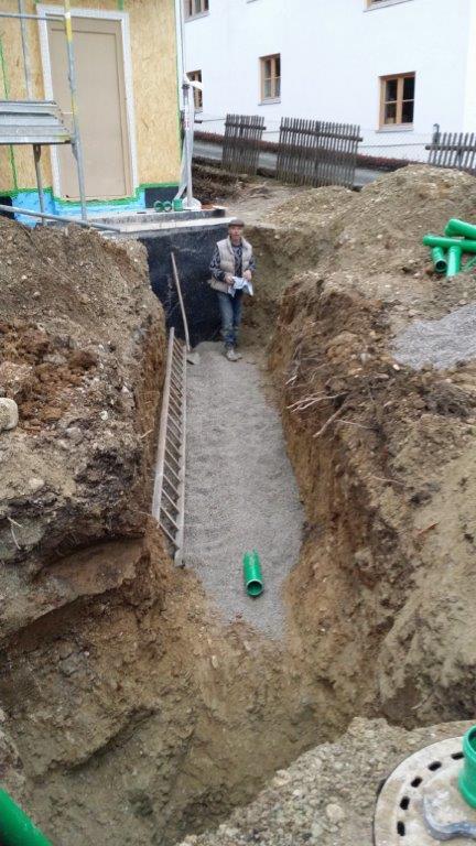 Kanalarbeiten und Regenentwässerung mit Regenwasserzisterne für ein Einfamilienhaus in Schäftlarn